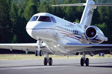 Advantages Of Chartering A Private Jet to Aeropuerto Juan Kemp